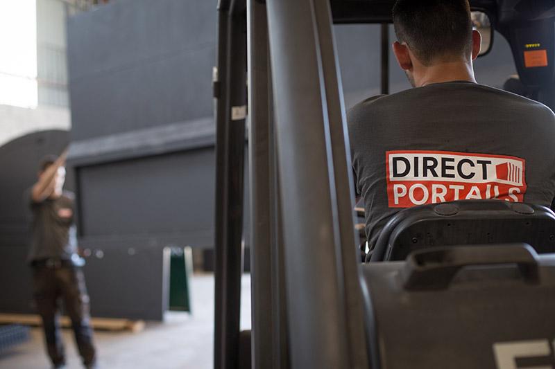 Préparation colis livraison portail fer assurée et protégée